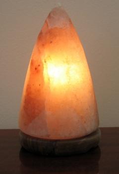 """Соляная лампа  """"Конус"""" на деревянной подставке SLDD-21"""